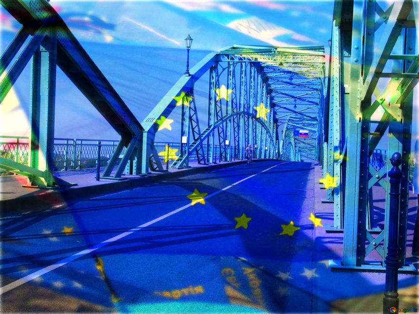 Dall'Europa via libera alla riforma del Copyright su Internet