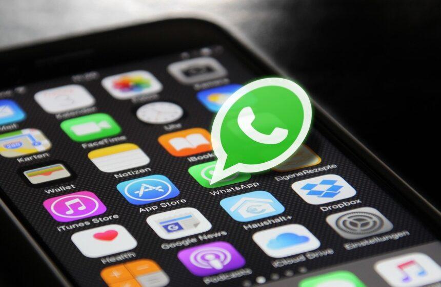 WhatsApp 2021: cosa cambia, novità su vocali e immagini